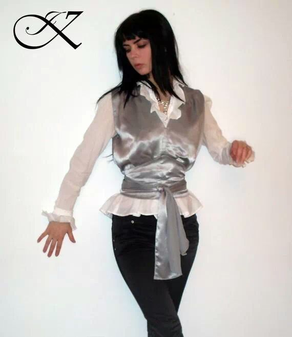 Jennifer Kaya fashion design: white and silver outfit