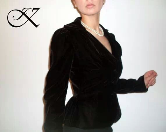Jennifer Kaya fashion design: black suit