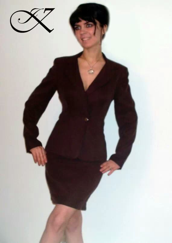 Jennifer Kaya fashion design: brown suit