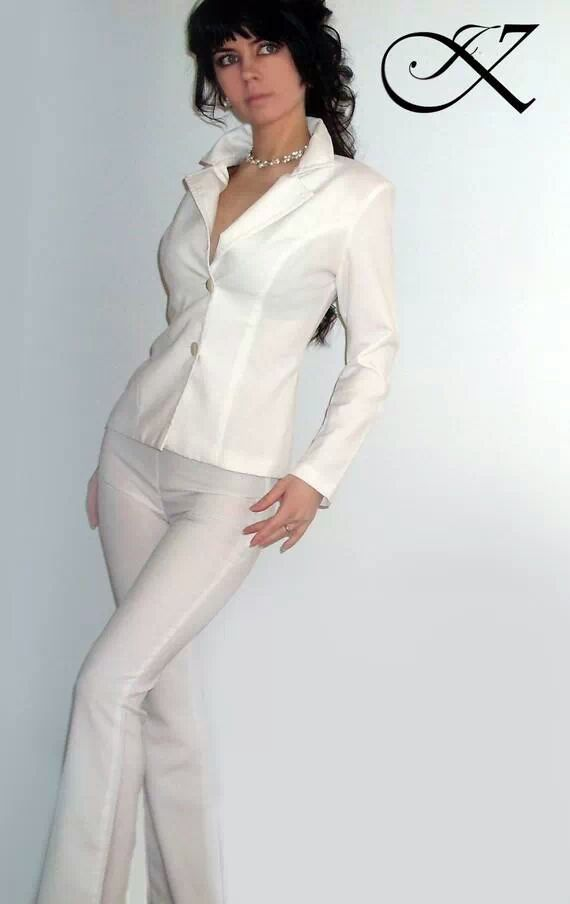 Jennifer Kaya fashion design: white suit
