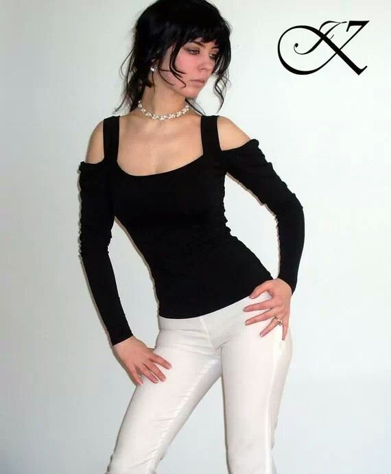 Jennifer Kaya fashion design: black top with white pants